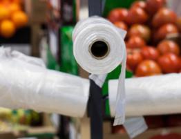 Верховна Рада прийняла закон, яким обмежується обіг пластикових пакетів